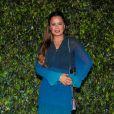Luciele Di Camargo elegeu look em degradê azul para evento da Seara