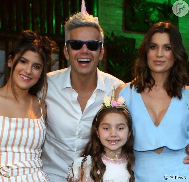Flávia Alessandra foi surpreendida pelas filhas, Giulia Costa e Olívia, em hotel nesta sexta-feira, 7 de junho de 2019, dia do seu aniversário