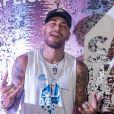 Neymar encontrou Najila Trindade em Paris