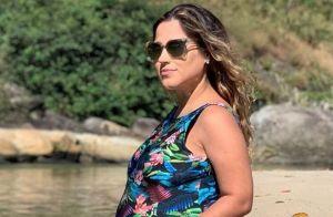 Grávida, Camilla Camargo é comparada com Zezé di Camargo em foto na praia