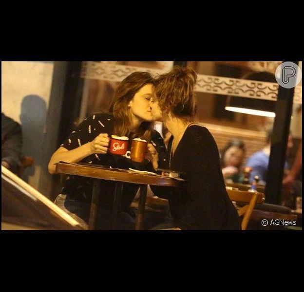 Fernanda Gentil e Priscila Montandom curtem programa romântico em point badalado do Rio de Janeiro, nesta segunda-feira, 11 de junho de 2019