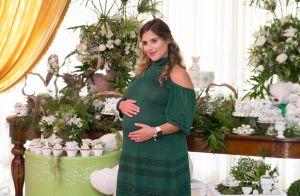 Camilla Camargo recebe Zilu e Wanessa no chá de bebê do filho, Joaquim