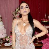 MC Mirella festeja 21 anos com tema da Barbie e investe em look transparente