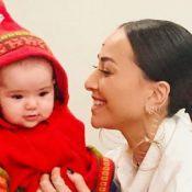 Sabrina Sato filma travessura da filha, Zoe, de 7 meses, no carro. Vídeo!