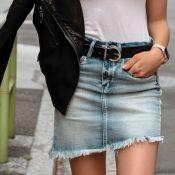 Saia jeans: saiba como dar um toque de estilo para a peça curinga do seu closet