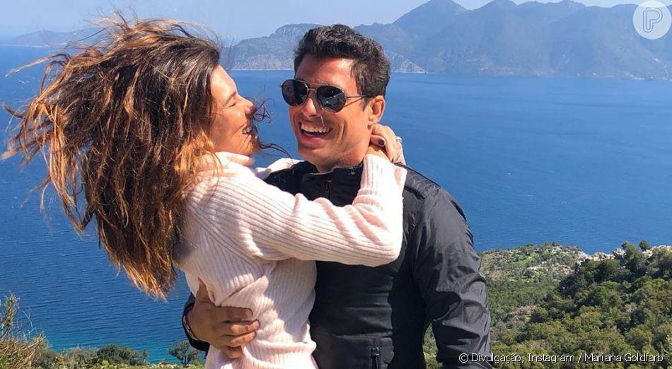 Mariana Goldfarb se diverte ao ser filmada por Cauã Reymond em treino