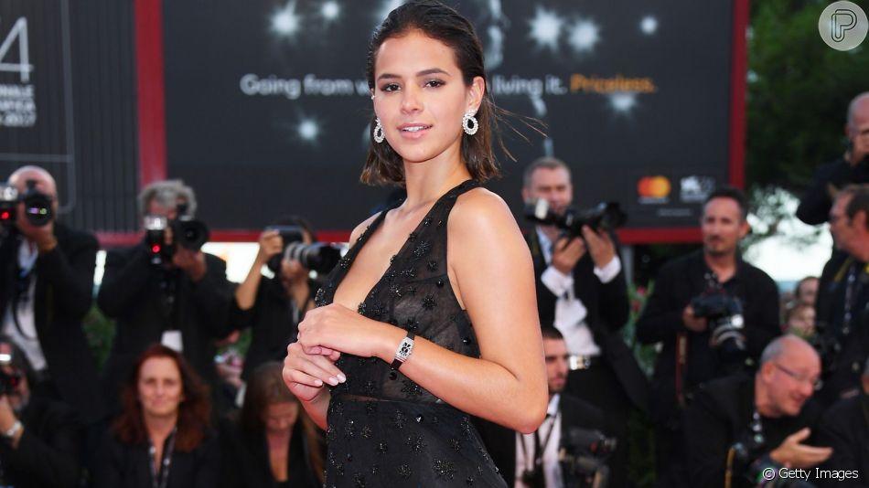 Bruna Marquezine estará em Gramado para estreia do filme  'Vou Nadar Até Você'