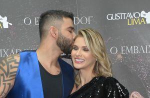 Gusttavo Lima beija mulher e homenageia Gabriel Diniz durante show em Barretos