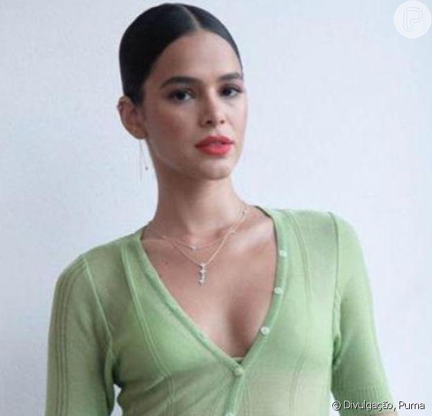 Joadora do Palmeiras faz campanha de nova camisa de time e fãs apontam semelhança com Bruna Marquezine