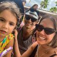 Maria Flor, de 3 anos, é filha de Deborah Secco e do ator Hugo Moura