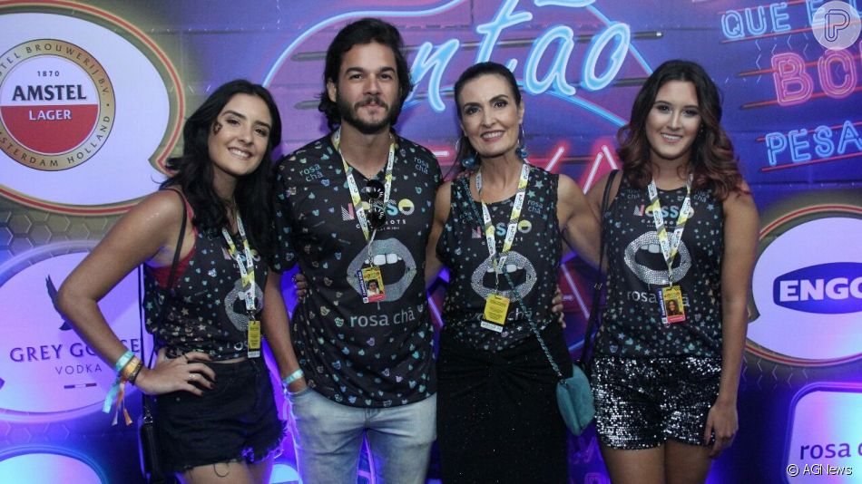 Fátima Bernardes e Túlio Gadêlha curtem show com as filhas da apresentadora, em 21 de agosto de 2019