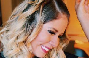 Marília Mendonça mostra fio de cabelo branco e brinca: 'Oficialmente mãe'