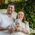 Filha de Thaeme Marioto usou look exclusivo em seu batizado