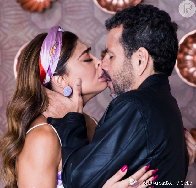 Nos próximos capítulos da novela 'A Dona do Pedaço', Amadeu (Marcos Palmeira) rouba beijo de Maria da Paz (Juliana Paes) após a boleira assinar divórcio de Régis (Reynaldo Gianecchini)