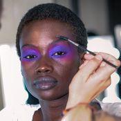 Você vai se apaixonar pelas makes coloridas e com glitter da London Fashion Week
