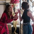 Josiane (Agatha Moreira) pede desculpas para Maria da Paz (Juliana Paes) na novela 'A Dona do Pedaço'