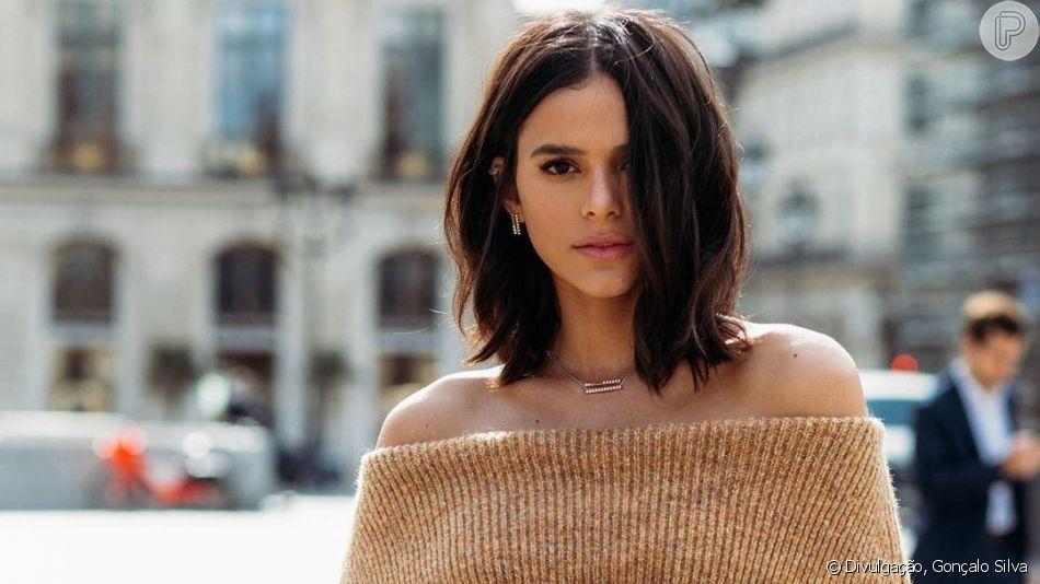 Bruna Marquezine posou com joias de luxo e beleza chamou atenção em fotos
