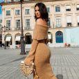 Bruna Marquezine usou look ombro a ombro e com fenda na perna em ensaio fotográfico