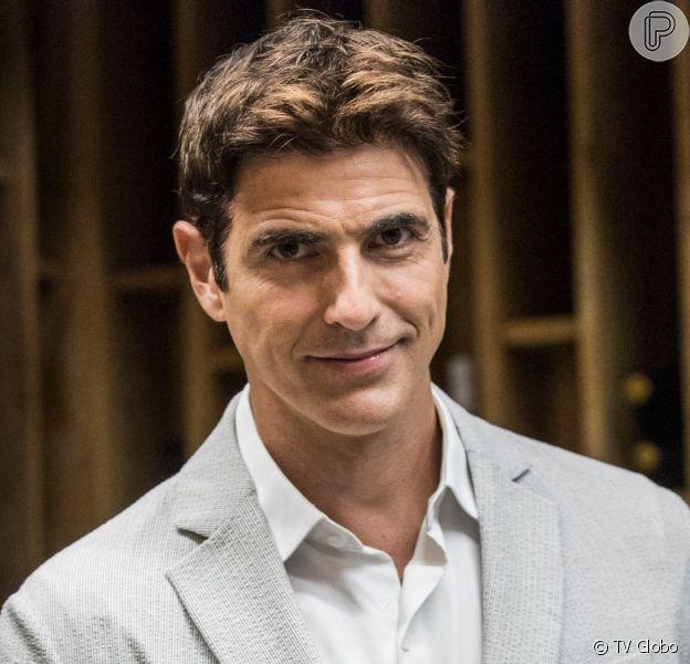 Régis (Reynaldo Gianecchini) é preso por crime de Josiane (Agatha Moreira) na novela 'A Dona do Pedaço'
