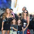 Grazi Massafera assistiu a shows com Ingrid Guimarães e a filha, Clara