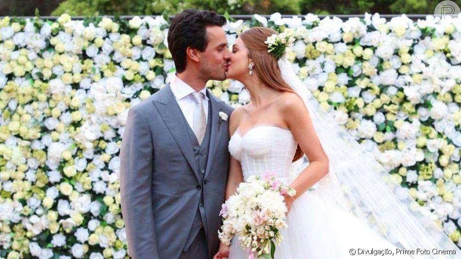 Marina Ruy Barbosa e Xandinho Negrão comemoram dois anos de casados