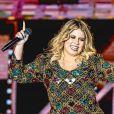 Marília Mendonça vem apostando em looks justos na primeira gravidez