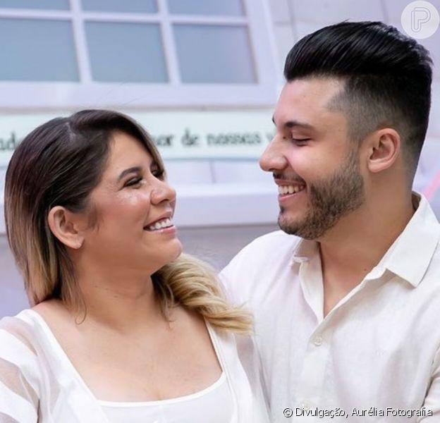 Marília Mendonça mostra barriga e ultrassom em foto e namorado se encanta nesta quarta-feira, dia 23 de outubro de 2019
