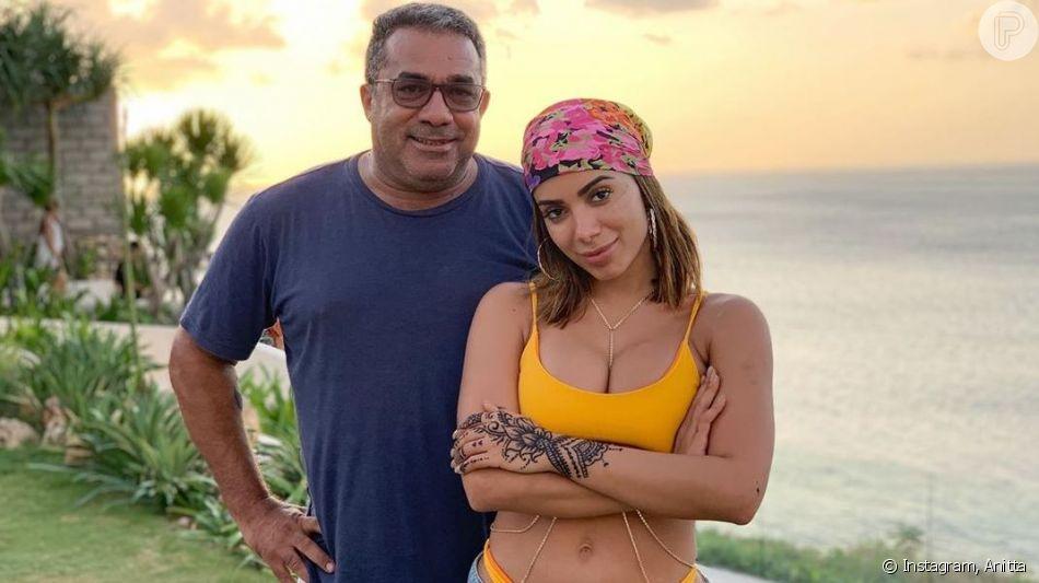 Anitta está namorando? Pai de cantora fala sobre vida amorosa da cantora na web ao responder internauta nesta quarta-feira, dia 23 de outubro de 2019