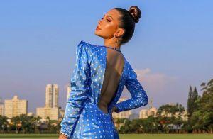 All blue! Você vai se apaixonar pelo vestido azul com poá de Flávia Pavanelli