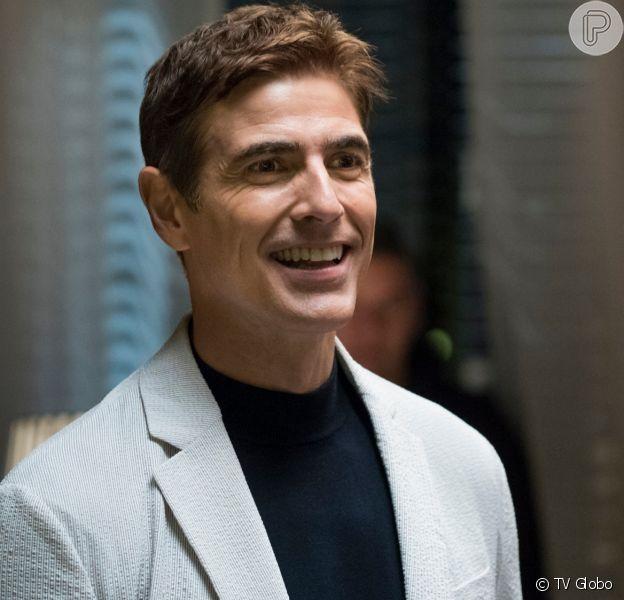 Régis (Renaldo Gianecchini) vai virar evangélico na novela 'A Dona do Pedaço'