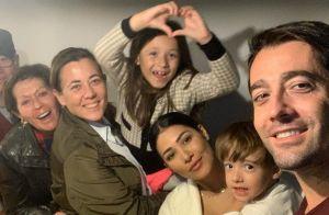 Simaria mostra foto com família, parabeniza marido e encanta web: 'Quanto amor'