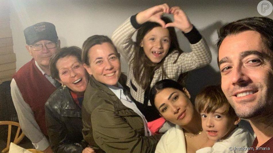 Simaria, da dupla com Simone, compartilhou foto da família na web nesta segunda-feira, 4 de novembro de 2019