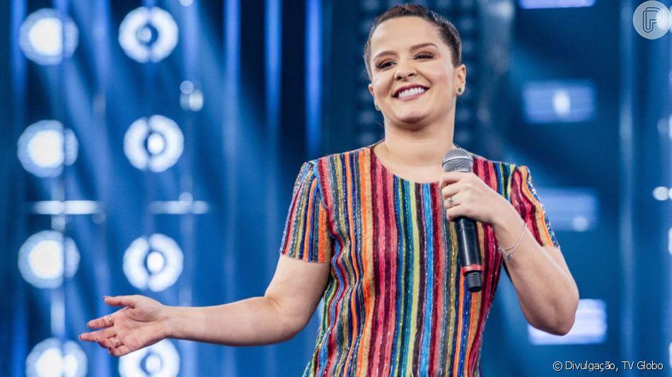 Maiara, dupla de Maraisa,  usou t-shirt  Fabiana Milazzo, de R$ 1.122,50