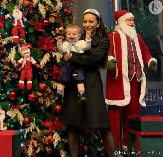 Sabrina Sato mostrou reação da filha, Zoe, ao ver árvore de Natal pronta neste domingo, 24 de novembro de 2019