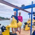 Ana Hickmann se divertiu com a irmã Fernanda em  Curação, no Caribe