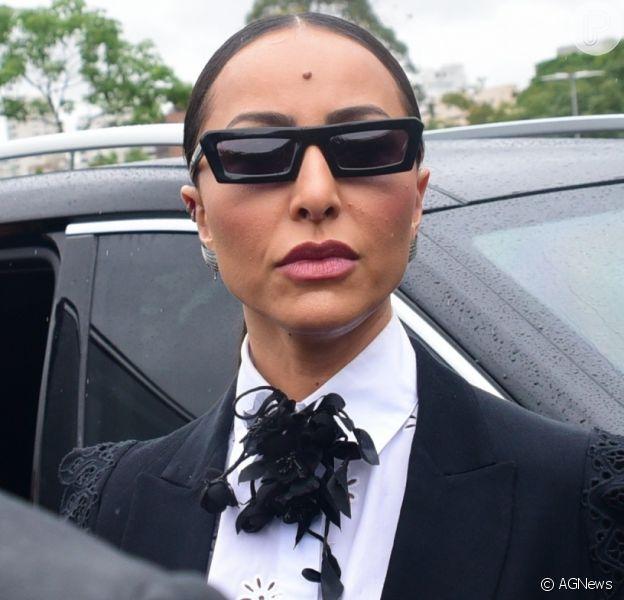 Sabrina Sato rebateu críticas de look estiloso para o velório de Gugu Liberato