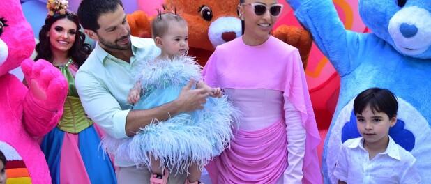 Vestidos estilosos e tênis grifados: os 3 looks de Zoe em festa de aniversário