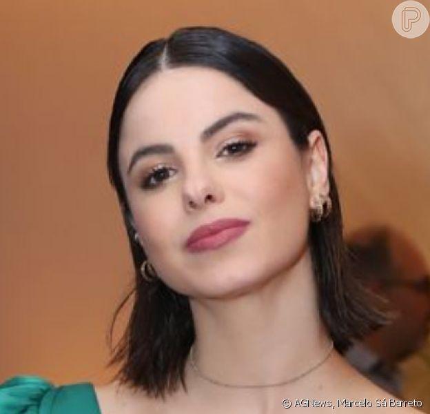 Sthefany Brito foi com vestido tomara que caia com ombro único na festa de estreia da novela 'Amor Sem Igual'