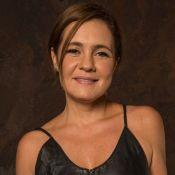 De biquíni, Adriana Esteves é elogiada por filho no aniversário de 50 anos. Foto
