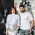 Romana Novais, mulher do DJ Alok, apostou na trend do metalizado para o look do Natal