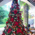 Giovanna Ewbank surpreende ao mostrar a filha, Títi, ao lado da árvore de Natal