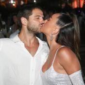 Sabrina Sato e Duda Nagle se beijam sob queima de fogos em Itacaré. Fotos!