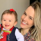 Filha de Thaeme se empolga ao conhecer Minnie e surpreende a mãe: 'Encantada!'