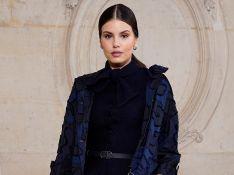 As trends de Camila Queiroz e mais fashionistas no desfile da Dior em Paris