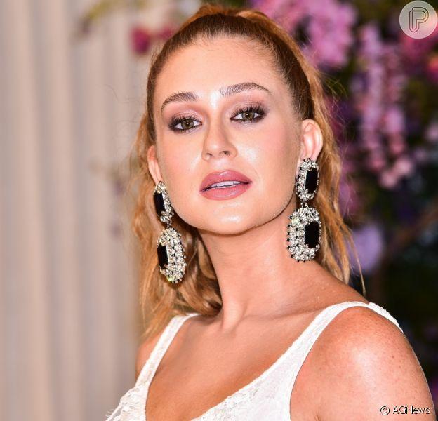 Marina Ruy Barbosa apareceu de lingerie em ensaio e ganhou elogios na web