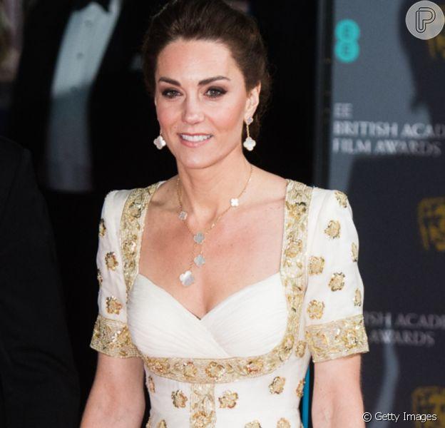 Kate Middleton aposta em vestido de princesa para premiação com Príncipe William neste domingo, dia 02 de fevereiro de 2020
