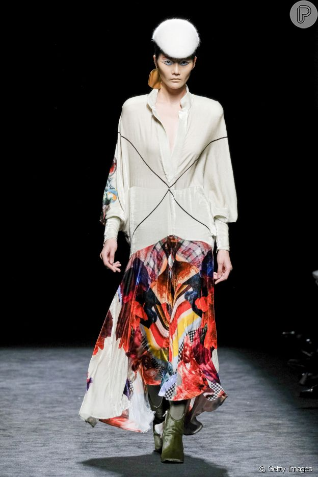 Dica de moda: cor e fluidez no office look promete valorizar o visual como no desfile da 404 Studio no Madrid Fashion Week