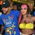 Anitta e Neymar foram flagrados trocando beijos em camarote da Sapucai no Carnaval 2019