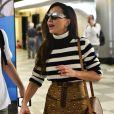 Sabrina Sato viaja rumo ao Rio de Janeiro para se apresentar no Baile da Vogue, carnaval de alto luxo das famosas