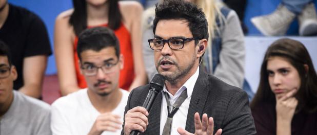 Zezé Di Camargo posta homenagem ao pai, Francisco, e intriga a web: 'Tudo bem?'